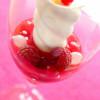 Mousse glacée Fromage Blanc en Bâtonnet, coulis Framboise/Groseilles