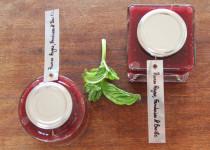 Confiot' aux Prunes Rouges, Framboises & Basilic
