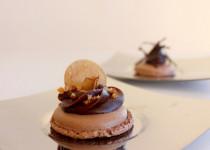 maC'arons festifs salés: chocolat & foie gras / chocolat & truffe